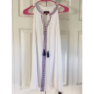 Sequin Hearts White Flowy Dress. Small